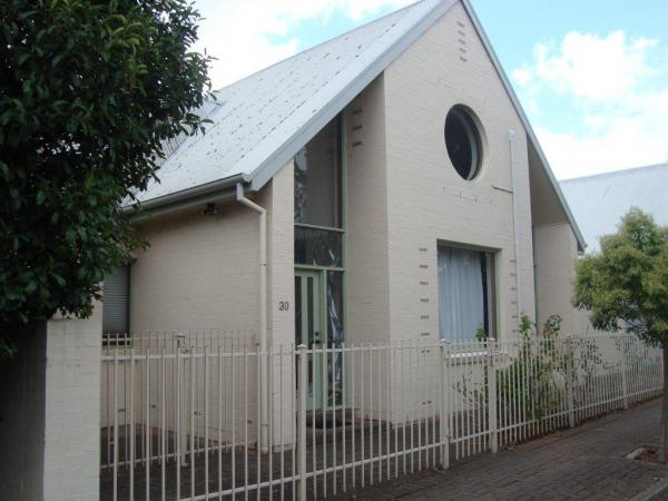 Ideal family home next to Marryatville High