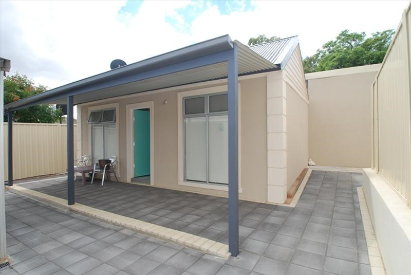 Sparkling and modern Granny flat